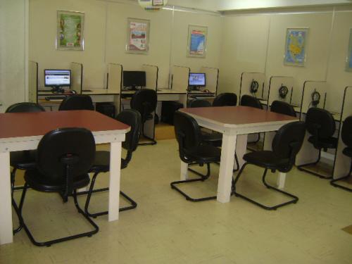 O L.C.C.A estará aberto para atividades de estudo individual para todos os níveis de inglês e espanhol.  Para uma melhor organização dos alunos, estas atividades também devem ser agendadas com antecedência. A biblioteca também estará aberta para a retirada de livros.