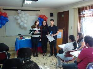 Homenagem aos alunos que tiraram as notas mais altas nos exames de inglês e espanhol